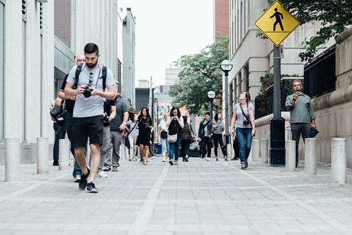 pedestrians-918471__340